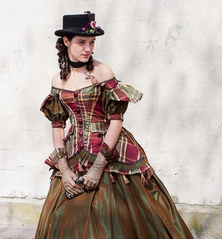 La penderie - Location de costume - cinéma - théâtre - événementiel - Vertugadins - Costumières - Google Chrome 10132013 65303 AM