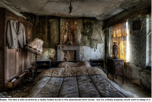Photographer Niki Feijen's eerie images of the abandoned farm houses  Mail Online - Google Chrome 10122013 55627 AM