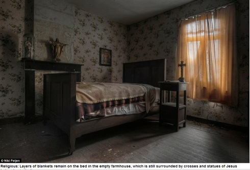 Photographer Niki Feijen's eerie images of the abandoned farm houses  Mail Online - Google Chrome 10122013 55811 AM