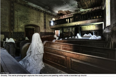 Photographer Niki Feijen's eerie images of the abandoned farm houses  Mail Online - Google Chrome 10122013 55951 AM