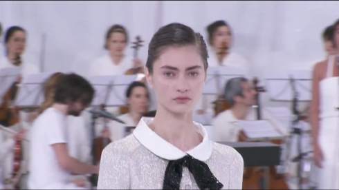 1-Spring-Summer 2014 Haute Couture CHANEL show - YouTube - Google Chrome 1302014 35455 PM