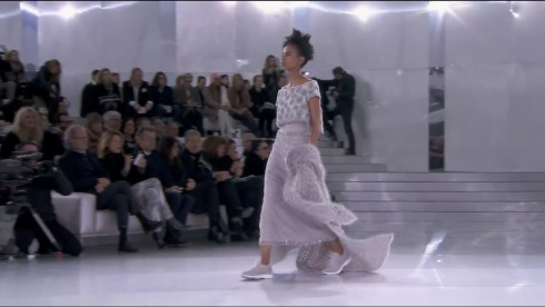 5-Spring-Summer 2014 Haute Couture CHANEL show - YouTube - Google Chrome 1302014 35722 PM